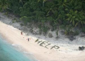 Rescate de película gracias a un mensaje escrito con ramas de palmas