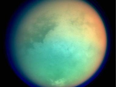 Toma fuerza el rumor de que la Luna se verá verde