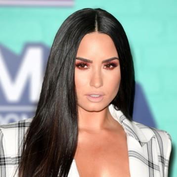 Hospitalizan a Demi Lovato por sobredosis de heroína